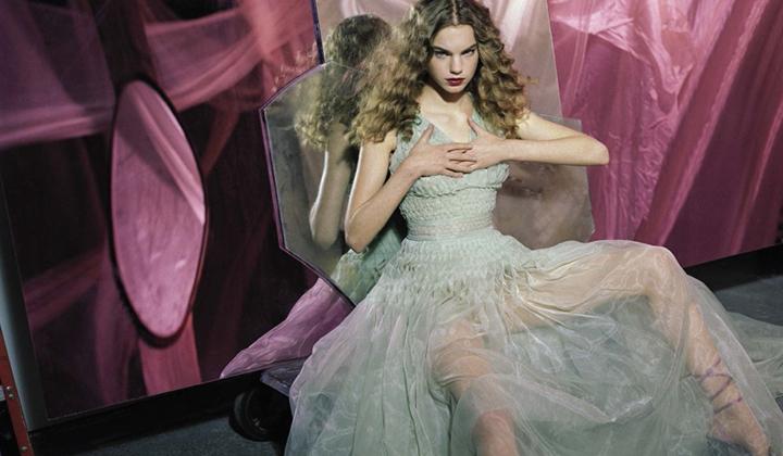 意大利版《Vogue》一月刊时尚大片
