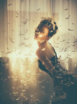 金色光影下唯美情绪人像