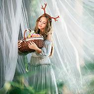 森林里的精灵少女