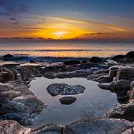 梦幻浪漫的清晨海岸