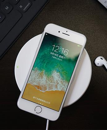 全新玻璃机身 iPhone8及8 Plus真机图赏