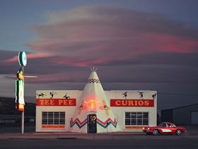 来自66号公路的色彩 营造简洁又清新的视觉