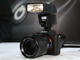 CP+2016:微单相机专用 日清i60A闪灯图赏