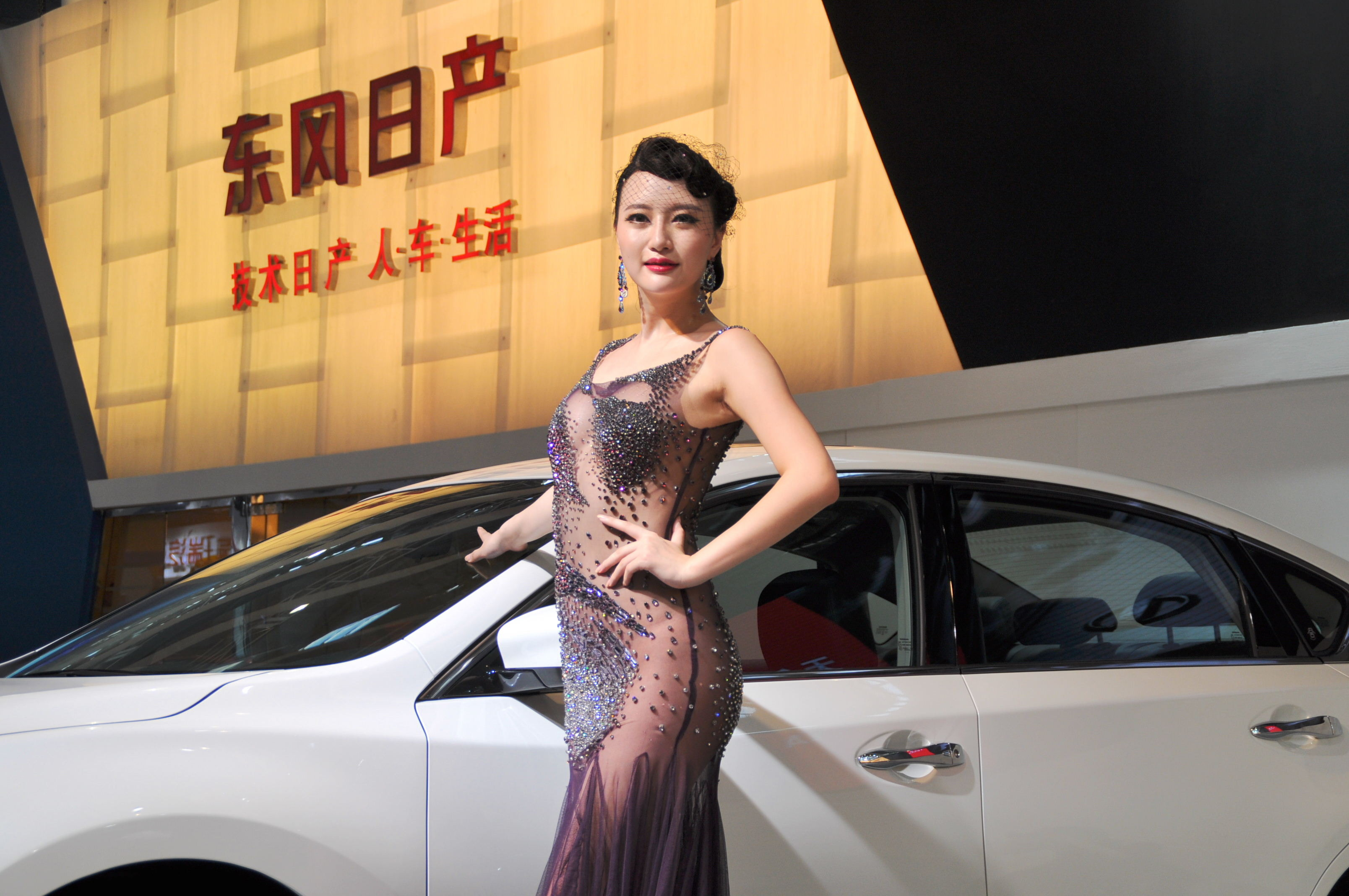盘点因车展出名的模特