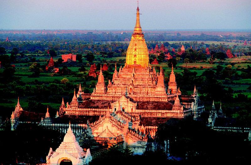 缅甸蒲甘 一日骑过万塔之城