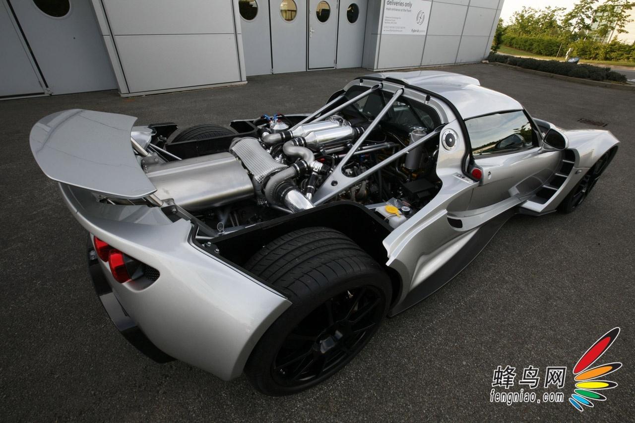 轩尼诗毒蛇gt全车采用大量碳纤维结构