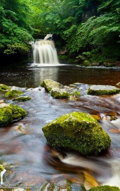 水笼流烟间的光影节奏 瀑布拍摄技巧分享