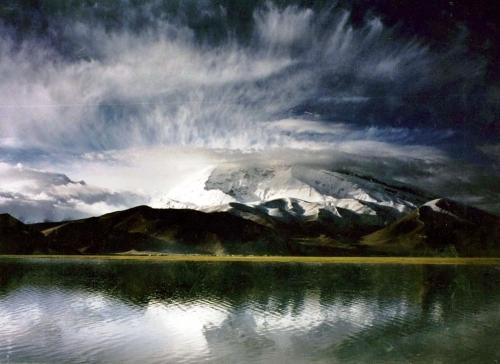 边陲古城迷情 喀什一湖一寺一传奇