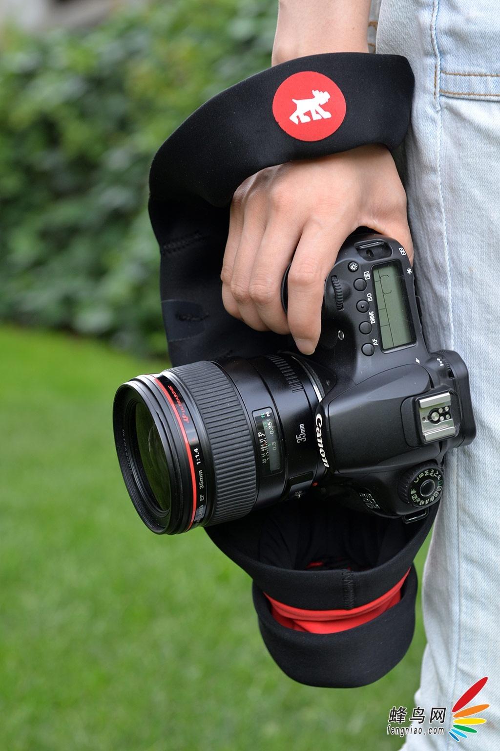 单反摄影,是不是能用单反相机配合天文望远镜拍摄太空图片