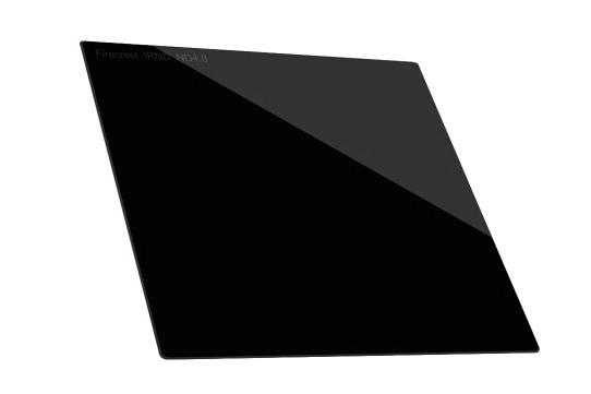 海泰(Hitech)最新发布的玻璃方片炎龙系列减光镜备受广大影友的关注,为经常使用滤镜的影友提供了更多的选择。这款滤镜采用德国肖特B270的玻璃制造,玻璃平整度较高,不会出现光线紊乱的现象,并且其可选档位共有1(0.3)-10(3.0)档。目前,据合作经销商处报价,这款滤镜的售价为1066元。  Hitech 海泰玻璃方片炎龙系列滤镜 炎龙系列滤镜是使用Formatt Hitech电影滤镜技术制造而成的摄影类滤镜产品,工艺上严格执行电影滤镜制造要求。它采用肖特(Schott Superwite B270