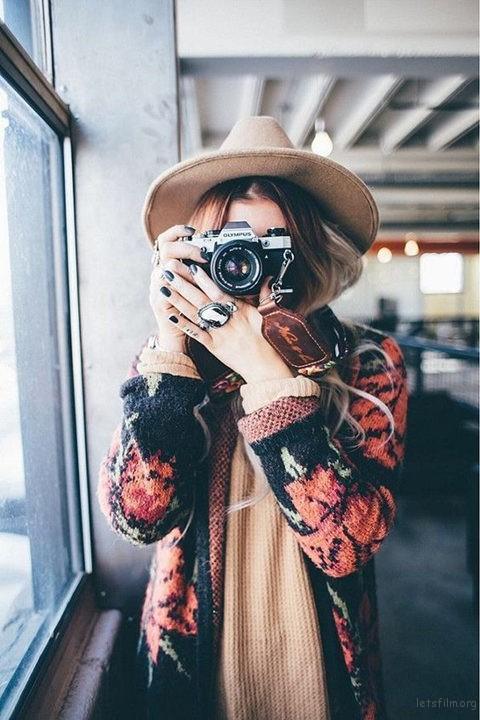 给不上镜的害羞女生 拍照时你应该这么摆pose