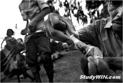 亚洲民间艾滋病黑镜头