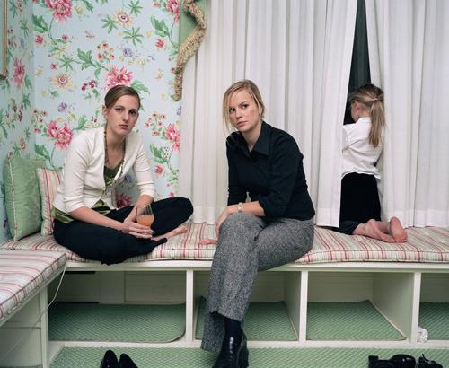 女摄影师10年拍摄的青春期项目