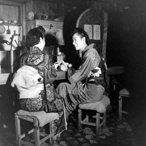 [旧照]艺妓的一天 早饮茶 晚共浴