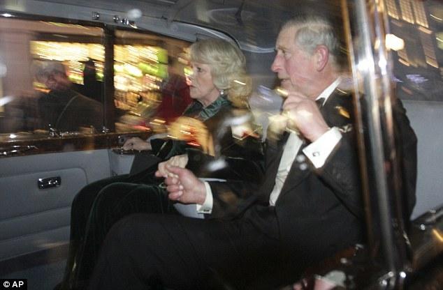 英国王储车队被攻击的瞬间