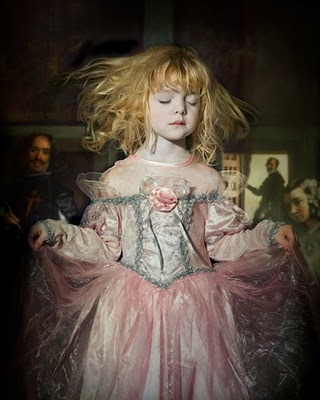 郑幼幼:杰奎琳-罗伯茨镜头下的纯真天使