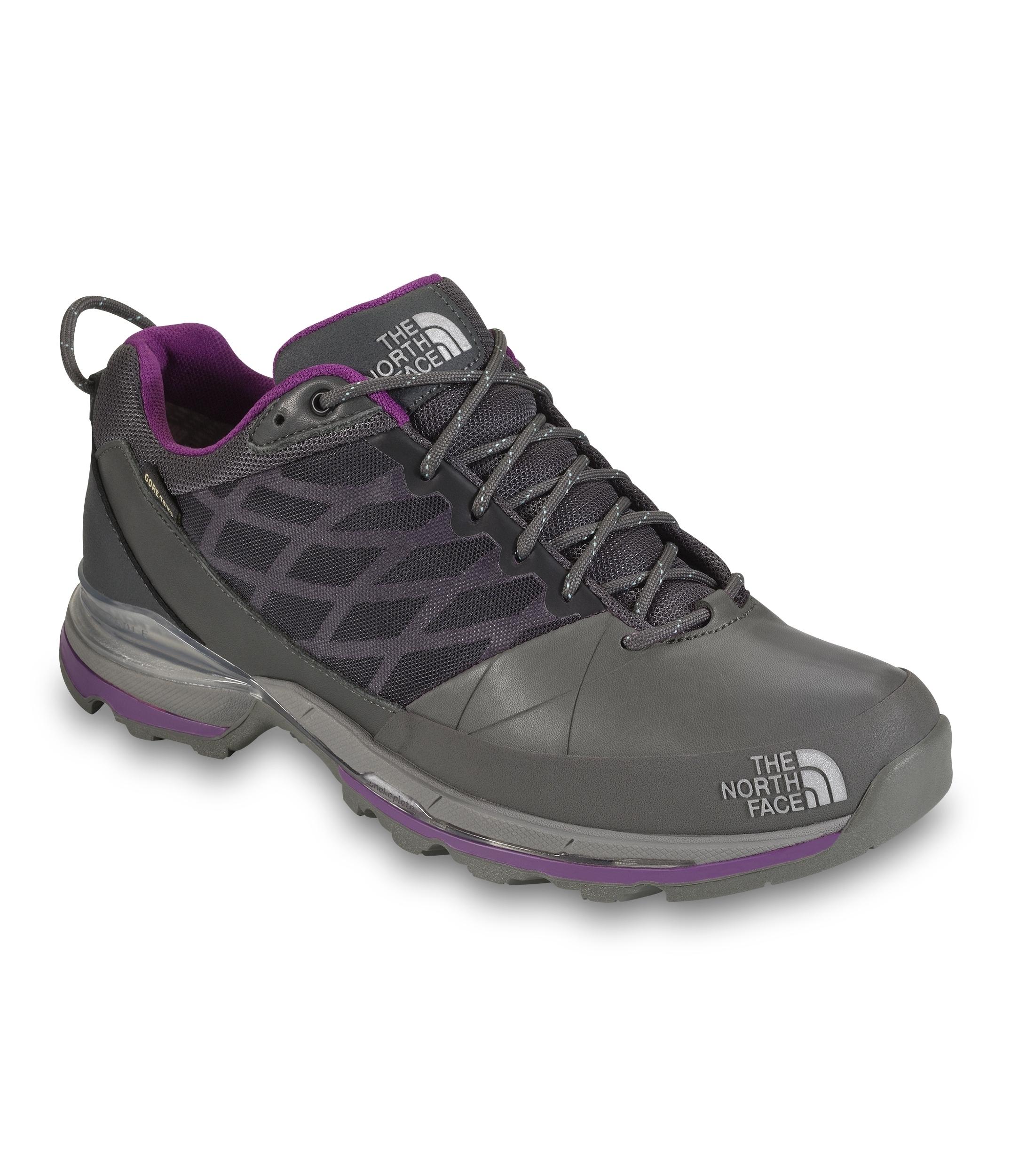 象征着这款速行鞋将克服各种环